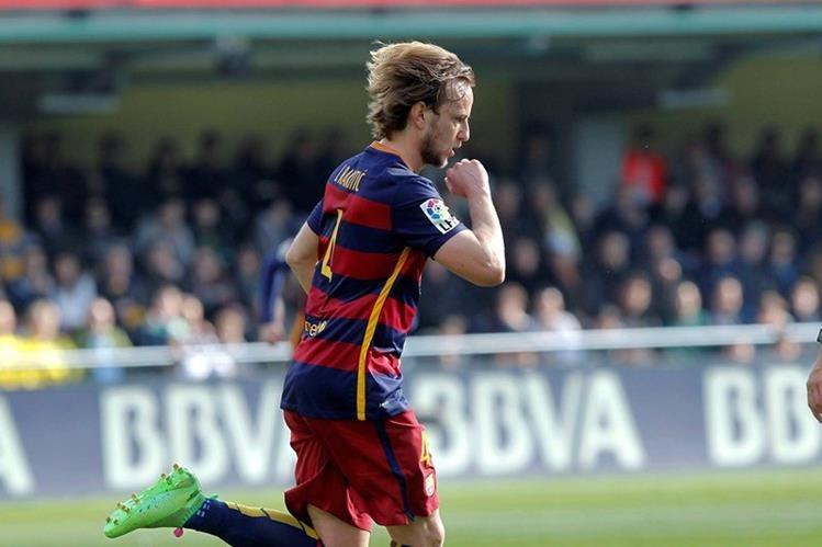 Rakitic pasa por un gran momento futbolístico pero deberá tomar un descanso obligado. (Foto Prensa Libre: EFE)