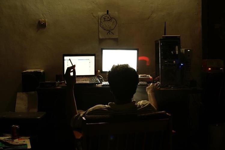 Con la campaña lanzada este jueves se busca frenar el acoso infantil en el internet. (Foto Prensa Libre: Newsweek)