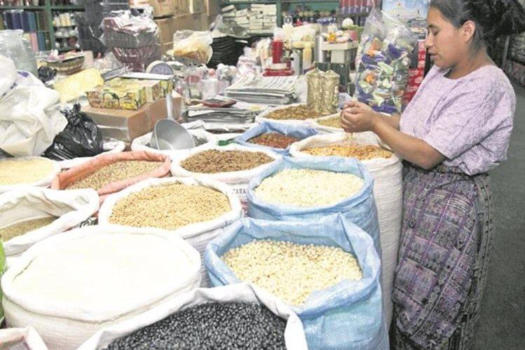 El precio de los alimentos incrementó en mayor medida en occidente. (Foto Prensa Libre: A. Interiano)