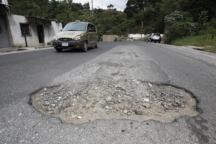 Por la baja ejecución que reporta el Ministerio de Comunicaciones este año, la Comisión de Finanzas del Congreso le reducirá el techo al proyecto de Presupuesto del 2018. (Foto Prensa Libre: Hemerotec PL)