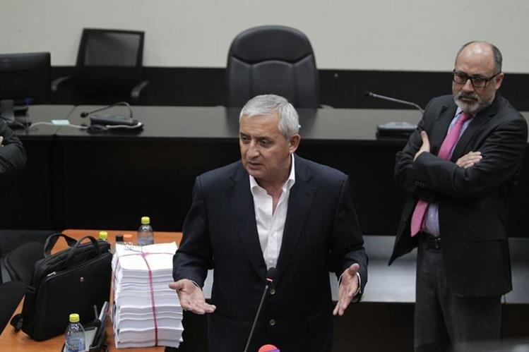 Otto Pérez Molina señala al MP y Cicig de orquestar un proceso político en su contra. (Foto Prensa Libre: Paulo Raquec)