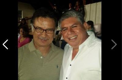 """""""Con mi amigo presidente Alfonso Portillo en el estadio..."""" destaca en el Facebook de Martínez. (Foto Prensa Libre: Tomada de Facebook)"""