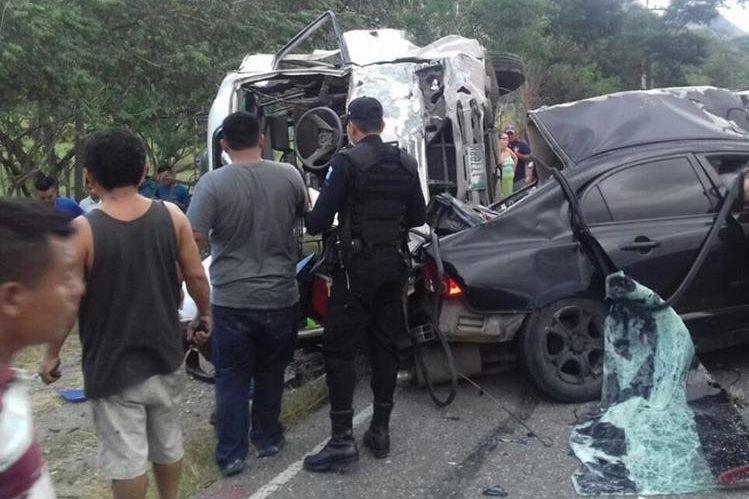 Lugar donde se registró la tragedia que cobró tres vidas en Chiquimula. (Foto Prensa Libre: Edwin Paxtor).