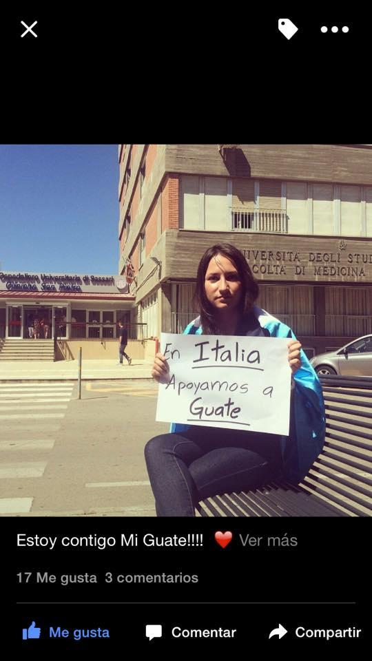La usuaria de Facebook desde Italia, María Isabel Valdes posteo esta fotografía en donde muestra el apoyo a la jornada de protestas. (Foto: Facebook).
