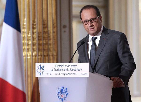 <em>Francois Hollande anuncia que Francia abre la vía a bombardear al EI en Siria.</em><br />