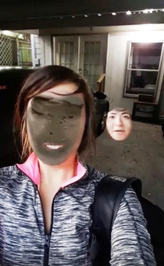 """""""Face Swap"""" o intercambio de rostros es también una función en Snapchat, con ella los usuarios se divierten cambiando rostros con otros, pero en esta ocasión fue con el suelo ¿o con algo más?"""