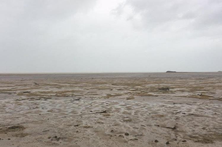 Asi quedaron las playas de Long Island en Las Bahamas después del paso de Irma. (Foto Prensa Libre: @deejayeasya)