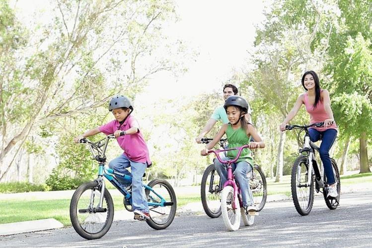 Moverse favorece tanto el aspecto físico, emocional e intelectual de niños y adultos. (Foto Hemeroteca Prensa Libre)
