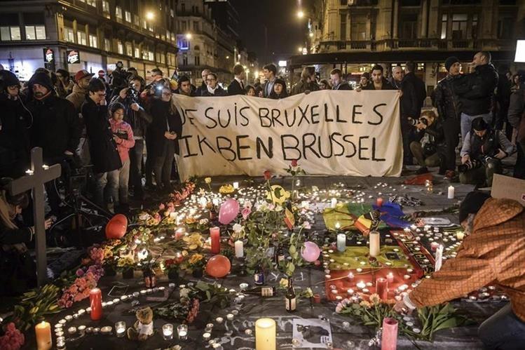 Los atentados en Bélgica han dejado unos 30 muertos y 200 heridos. (Foto Prensa Libre: EFE)