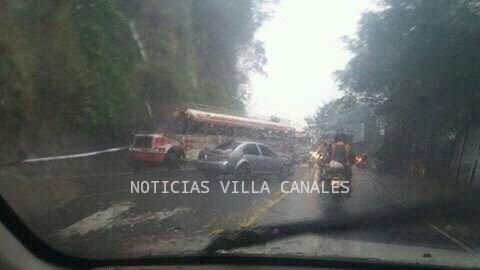 Accidente en ruta a Boca del Monte. Foto Prensa Libre:@NOTICIAS_VC.