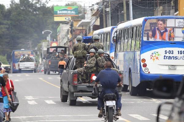 """<p>Refuerzan seguridad en zona 18 (Foto Prensa Libre: Érick Ávila)<br _mce_bogus=""""1""""></p>"""