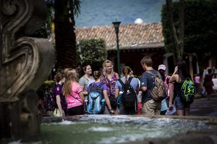Inmigrantes llegan a Guatemala buscando oportunidades laborales o en espera antes de continuar su viaje. (Foto Prensa Libre: Hemeroteca PL)