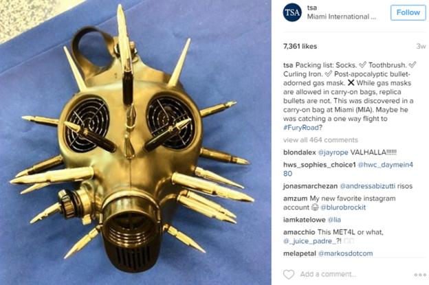 ¿Quién no trataría de llevar en su vuelo una máscara de gas postapocalíptica adornada con balas? A un viajero de Miami le pareció lo más adecuado. (INSTAGRAM/TSA)