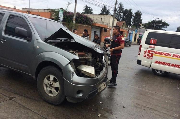 Varias personas lesionadas tras colisión en la zona 3 de Quetzaltenango. (Foto Prensa Libre: CBV)