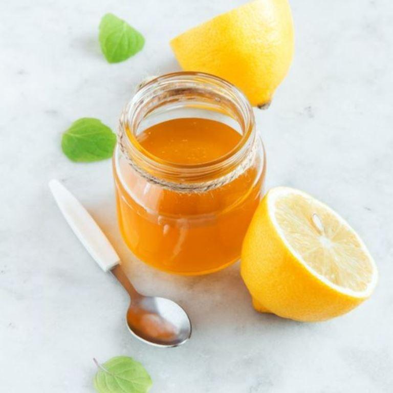 La miel y el limón ofrecen alivio temporal. (THINKSTOCK)