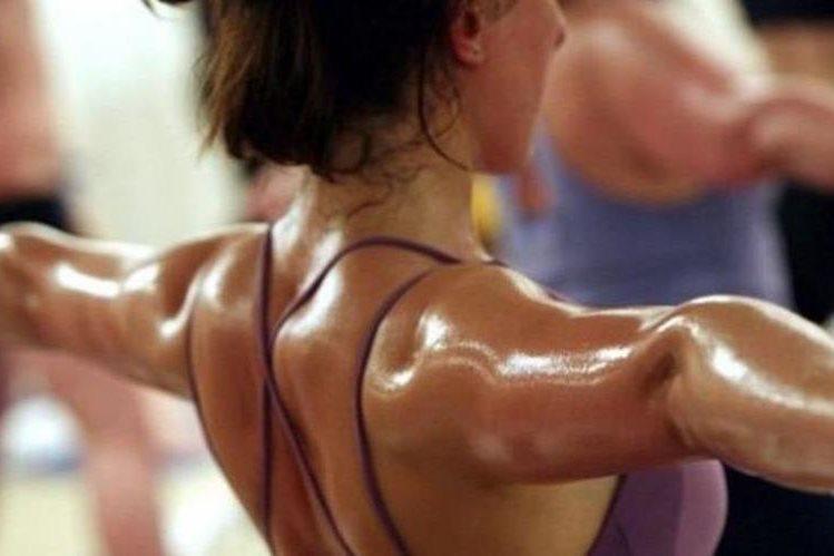 Es común escuchar consejos de lo que se debería hacer durante una rutina de ejercicios, pero no siempre esas recomendaciones son las más acertadas. (GETTY IMAGES)