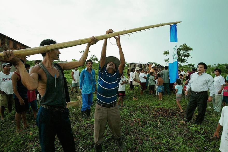 Guatemaltecos asentados en la zona de adyacencia entre Guatemala y Belice. (Foto Prensa Libre: Hemeroteca)
