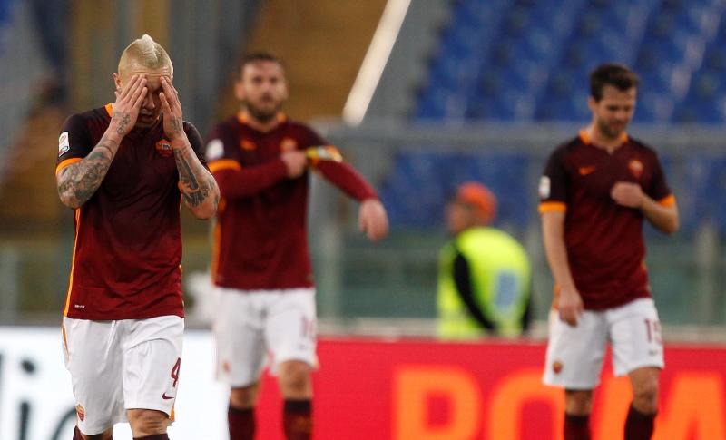 La Roma sigue en plena crisis luego de caer por goleada ante el Barcelona. (Foto Prensa Libre: AP)