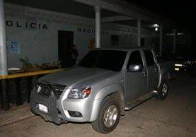 El vehículo está a nombre del oficial tercero de la PNC Félix Joel Maldonado Cabrera. (Foto Prensa Libre: Rolando Miranda)