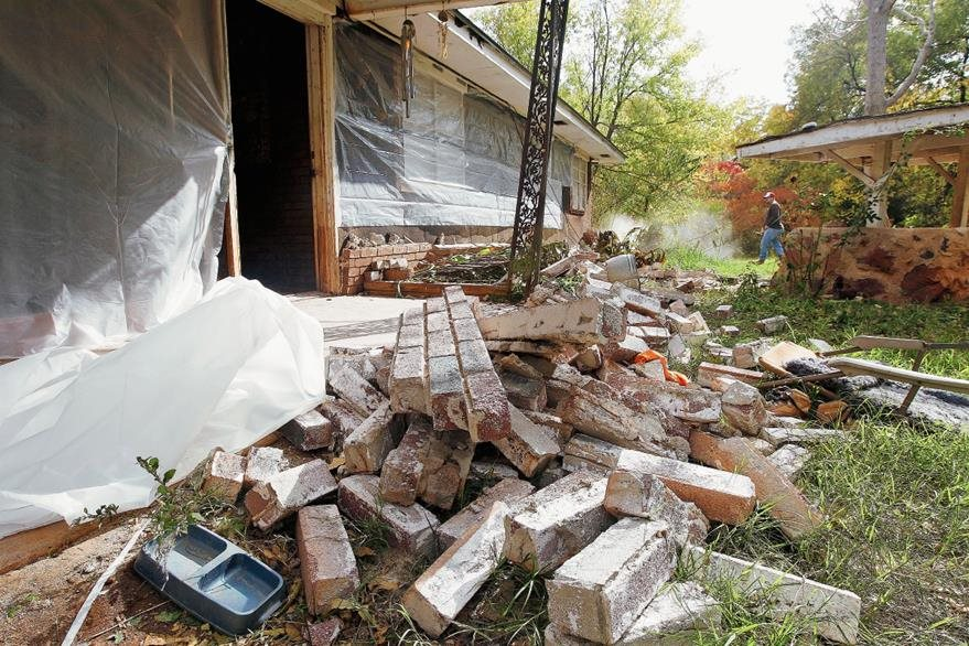Vivienda dañada en Oklahoma, por temblores en una zona cercana a petroleras. (Foto Prensa Libre: AP).