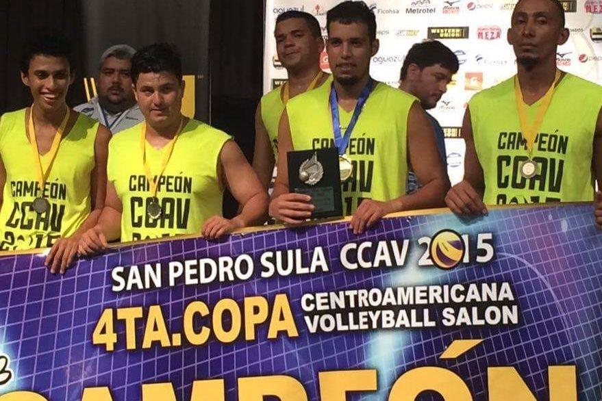 Moisés Reyes fue el MVP en la cuarta Copa Centroamericana de voleibol de salón. (Foto redes sociales).