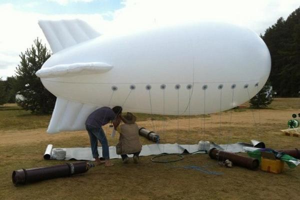 <p>Un dirigible del tamaño de una furgoneta es capaz de extraer vapor y convertirlo en agua y electricidad.</p>