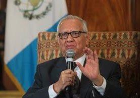 El presidente mencionó que con coordinación y empuje lograron poner de nuevo en pie a Guatemala. (Foto Prensa Libre: Hemeroteca PL)