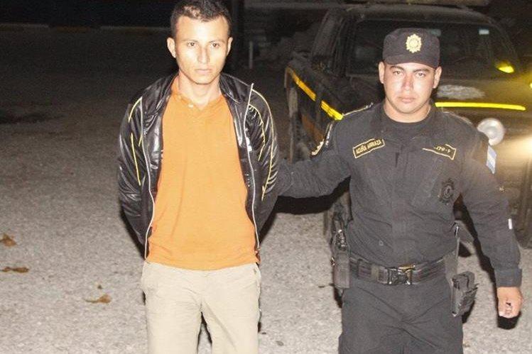 José Félix Monterroso Landaverde fue capturado el pasado 18 de noviembre por portación ilegal de arma de fuego. (Foto Prensa Libre: Rigoberto Escobar)