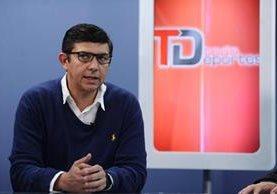 Stuard Rodríguez, presidente de la Federación de Ciclismo, durante La Entrevista de Tododeportes. (Foto Prensa Libre: Francisco Sánchez)
