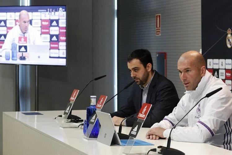 El técnico francés del Real Madrid, Zinedine Zidane, durante la conferencia de prensa de este martes previo al juego contra el Celta. (Foto Prensa Libre: EFE)