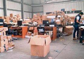 Paquetes acumulados en la aduana Express Aéreo llevan más de 72 horas sin ser liberados a las empresas de mensajería.