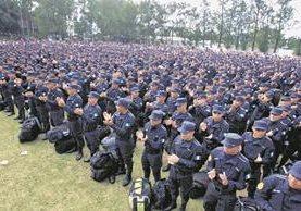 Desde julio último, los efectivos reciben un bono de Q700 mensuales. (Foto Prensa Libre: Hemeroteca PL)