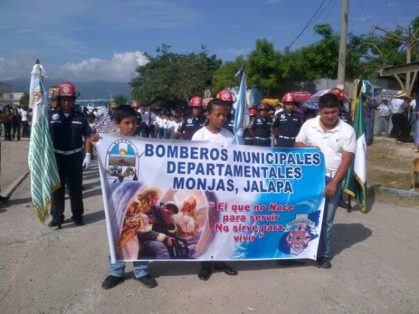 Foto de una caminata de los Bomberos Municipales Departamentales de Monjas. (Foto: Facebook)