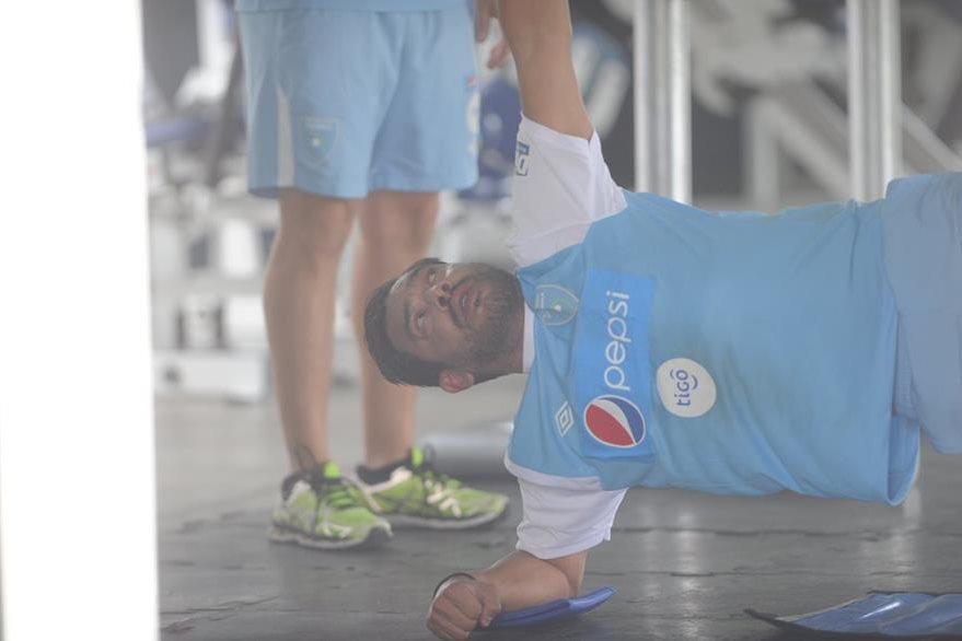 El trabajo de gimnasio fue el primero para Ruiz en el entrenamiento. (Foto Prensa Libre: Edwin Fajardo)