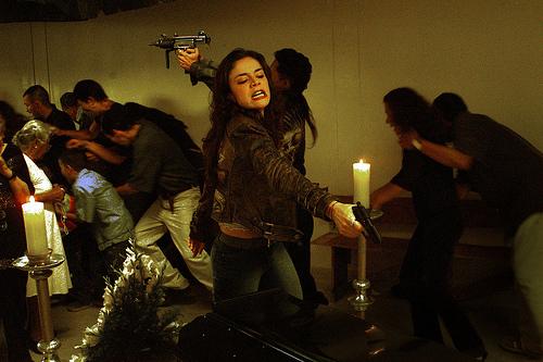 Rosario Tijeras fue rodada en Medell'n en el primer semestre del 2004, basada en el libro de Jorge Franco.