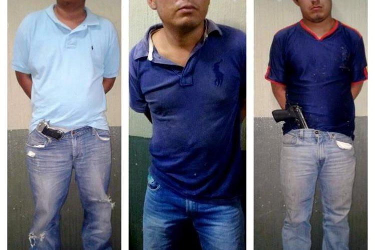 Tres personas fueron capturadas por agentes de la Policía Nacional Civil. (Foto Prensa Libre: Óscar Figueroa)
