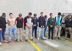 Los operativos de este miércoles en Mixco y colonia La Florida lograron la captura de una banda de extorsionistas. Foto Prensa Libre: PNC)