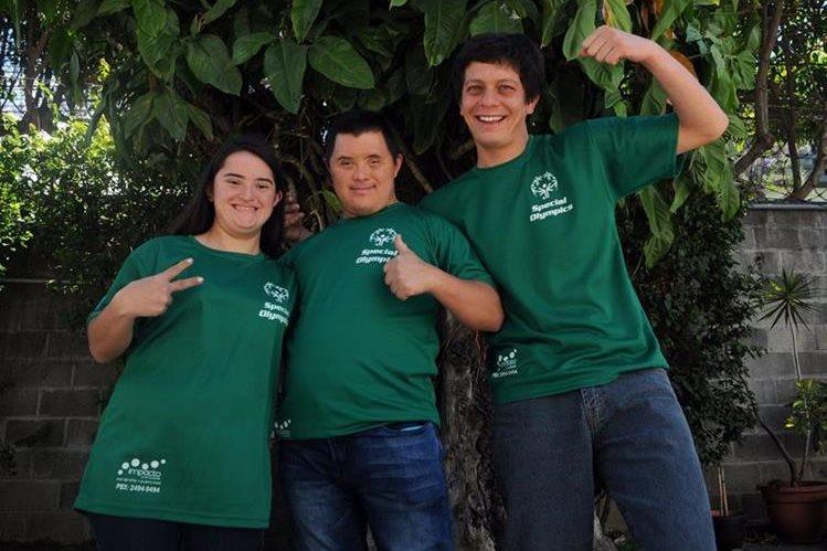 Éricka María Fonseca, Carlos (c) y Daniel están motivados por ir a los Juegos Latinoamericanos de Panamá (Foto Prensa Libre: Jennifer Gómez)