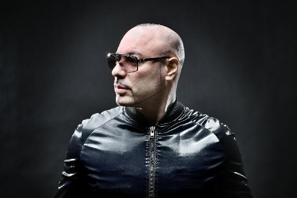 Roger Sánchez ha trabajado mezclas para importantes cantantes.