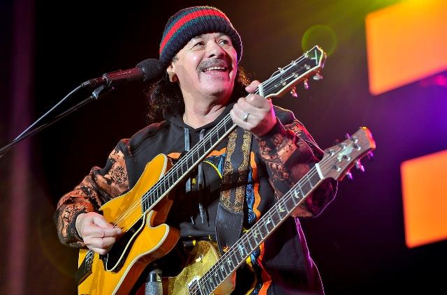 Carlos Humberto Santana Barragán, guitarrista mexicano-estadounidense de rock, ha ganado varios premios Grammy. (Foto Prensa Libre: billboard.com)