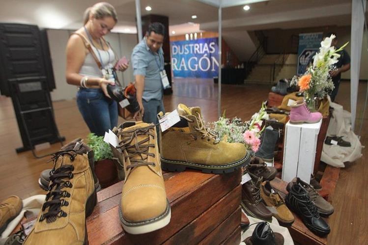 El sector de calzado es uno de los que se opone a firmar el acuerdo con los puntos discutidos. (Foto Prensa Libre: Hemeroteca)