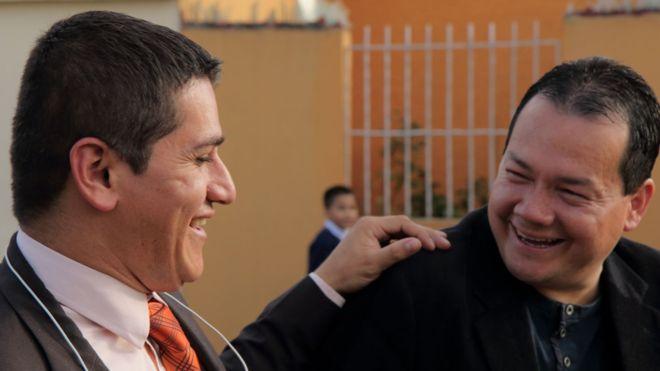 Si hay algo que comparten efusivamente Wilson y Luis es la risa. NATALIO COSOY/ BBC MUNDO