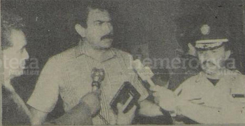 11/03/1988 Guardias de Hacienda son capturados por Julio Caballeros, director de la Policía,  en el km 12 de ruta a El Salvador. (Foto: Hemeroteca PL)
