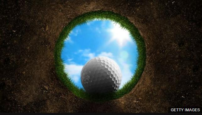 El hoyo en el golf es idéntico en todas partes del mundo.