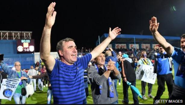 Hagi es considerado el mejor jugador de la historia de Rumania.