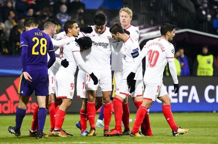 El Sevilla es el tercer equipo español que disputará los octavos de final de la Champions. (Foto Prensa Libre: AFP)