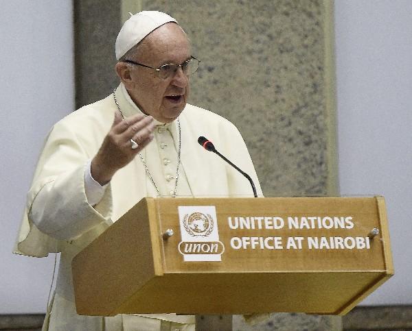 El Papa pronuncia su discurso durante su visita a la Oficina de la ONU en Nairobi, Kenia.