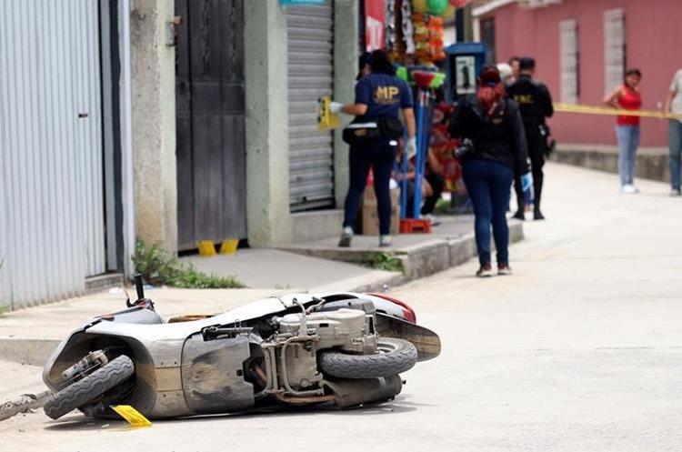 Luis Roberto González conducía motocicleta al momento del ataque.(Prensa Libre: Mike Castillo)