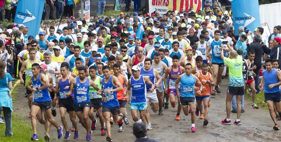 Se vivió una fiesta con la sexta edición de la carrera. (Foto Prensa Libre: Norvin Mendoza)