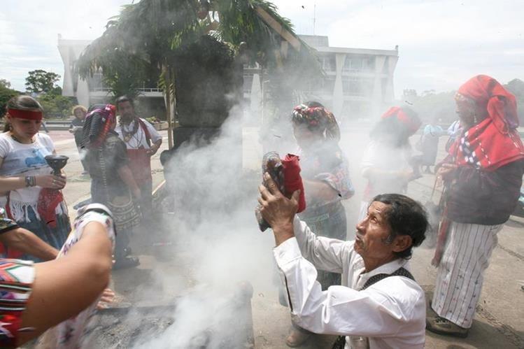 Maduro: El Rey de España debe indemnizar a pueblos indígenas